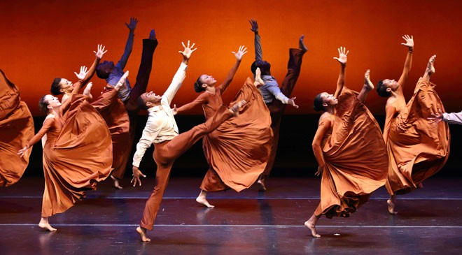 DBDT_SpringCelebration_660x365 photo by Enrica Tseng.jpg