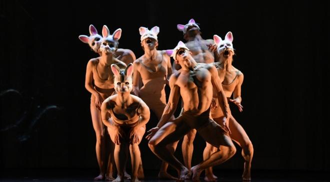 MOMIX,-ALICE-Rabbits;-Photo-courtesy-of-MOMIX.jpg