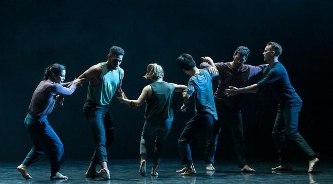 Doug-Varone-and-Dancers_SOMEWHERE_(c)David-Bazemore_(pic-10).jpg